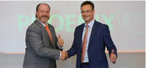 Jean-Guy Goulet, Chief Operating Officer of Pharmascience, with (right) PHOENIX group CEO Oliver Windholz